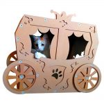 Carriage Cardboard Cat House with cat1 – true aristo-cat in a fairy tale